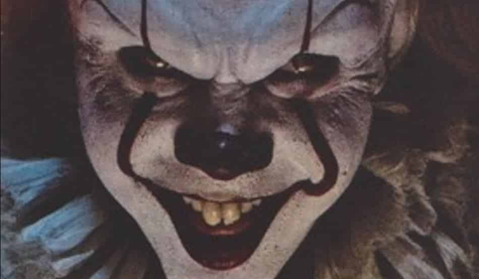 It Movie Terrifying New Look At Pennywise The Clown Revealed