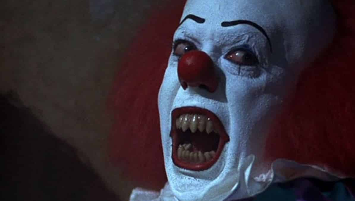 New IT Images Featuring Pennywise and the Losers Club