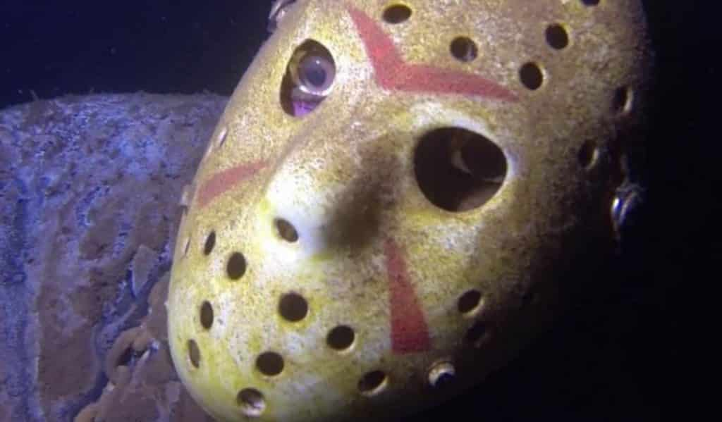 Friday the 13th: Fan anchors fake Jason to bottom of dive site