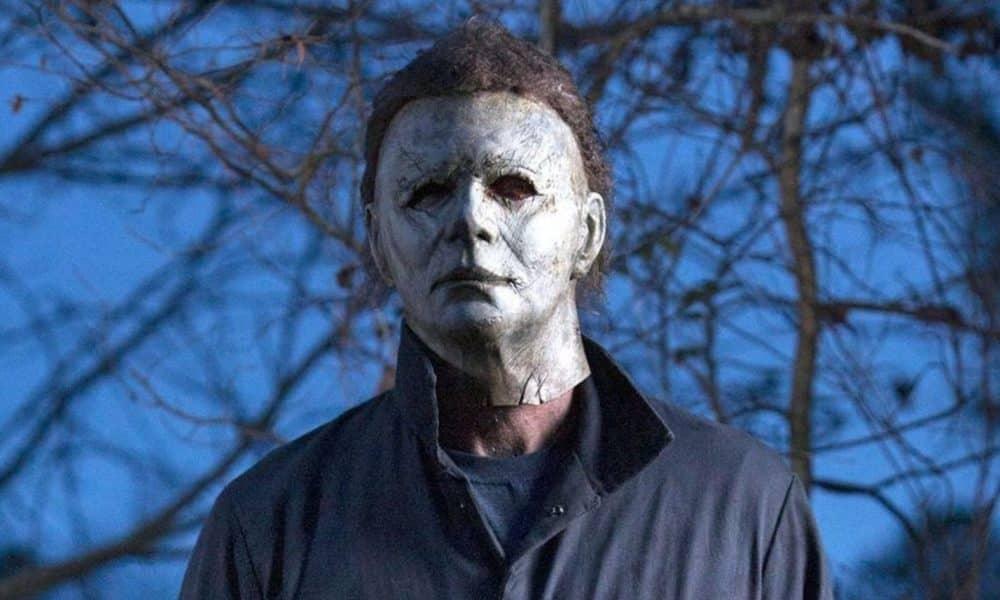 new halloween movie image reveals michael myers ready to kill