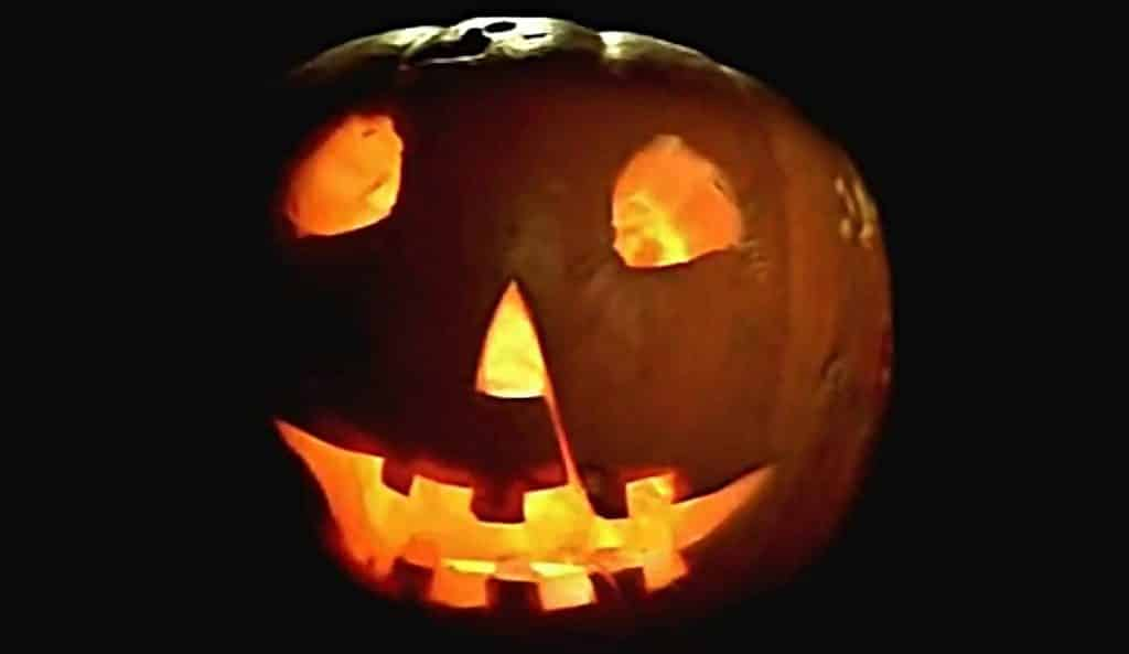 Halloween Movie Pumpkin 2018.There S A Petition To Change The Official Date Of Halloween